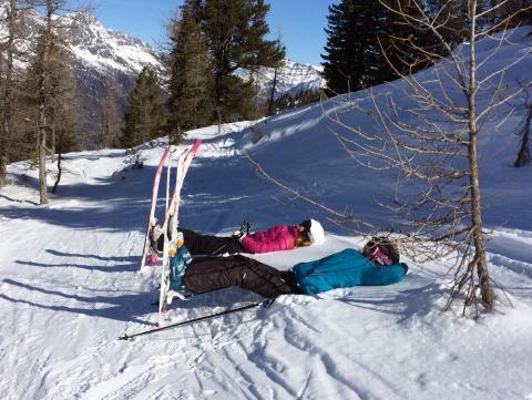 Nous profitons du ski hors piste pour faire une méditation