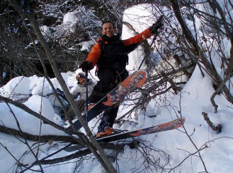 Nous skiions hors piste pente forte à Argentiere Les Grands Montets dans la vallée de Chamonix